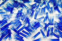 Blaue Plastikgefäße Stockbild