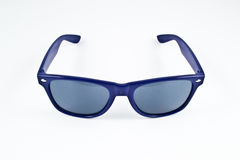 Blaue Plastiksonnenbrillen Stockfotografie