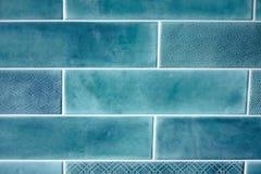 Blaue rechteckige Fliesen des Hintergrundes und der Beschaffenheit Stockfotos