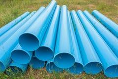 Blaue Rohre für Bau auf archiviert Lizenzfreies Stockfoto