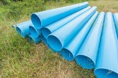 Blaue Rohre für Bau auf archiviert Lizenzfreie Stockfotos