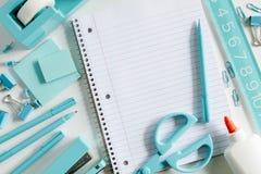 Blaue Schule und Büroartikel Lizenzfreies Stockfoto