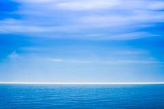 Blaue Seezusammenfassung Lizenzfreie Stockfotografie