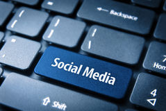 Blaue Social Media-Taste, Sozialhintergrund Lizenzfreies Stockfoto