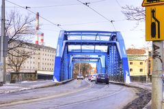 Blaue Stahlbrücke im Winter, Breslau, Schlesien, Polen, Europa Stockfotografie