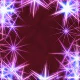 Blaue Sterne über violettem Hintergrund Stockbild