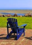 Blaue Strand-Stuhl-Sommer-Szene Lizenzfreie Stockfotos