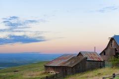 Blaue Stunde an der natürlichen Bereichs-Konserve Columbia Hills und am Nationalpark Stockfoto