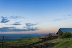 Blaue Stunde an der natürlichen Bereichs-Konserve Columbia Hills und am Nationalpark Lizenzfreie Stockfotografie