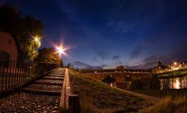 Blaue Stunde in Küsten-Pavia Stockfotos