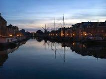 Blaue Stunde in Leiden lizenzfreie stockfotos