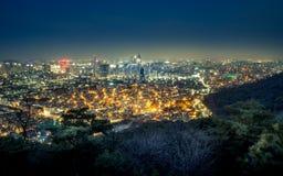 Blaue Stunde in Seoul, Südkorea lizenzfreie stockfotos