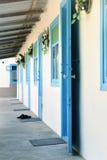 Blaue Türen und Fenster Lizenzfreie Stockfotos