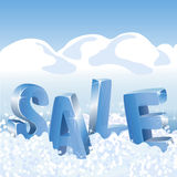 Blaue Tags des Winterschlussverkaufs im weißen Schnee Stockbild