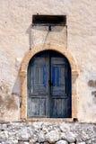 Blaue Tür mit Solarborduhr Lizenzfreies Stockbild
