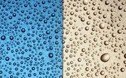 Blaue weiße Luftblasen Stockfotos