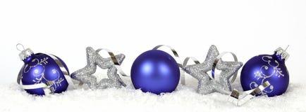 Blaue Weihnachtsbälle Lizenzfreie Stockfotos