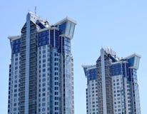 Blaue Wolkenkratzerfassade office Gebäude Stockbild