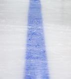 Blaue Zeile des Hockey Stockbilder