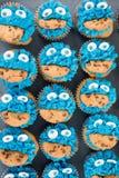 Blaue Zuckerglasur Plätzchen-Monsterkleine kuchen Stockfotos