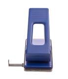 Blauer Büroloch Puncher Lizenzfreie Stockbilder