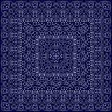 Blauer Bandana mit weißer Verzierung Lizenzfreie Stockfotografie