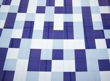 Blauer Beschaffenheitshintergrund des Fliesenmosaikquadrats verziert stockfoto