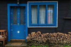 Blauer Eingang Stockfotos