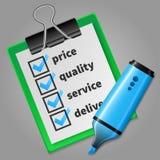 Blauer Filzstift und grüne Checkliste Lizenzfreies Stockfoto