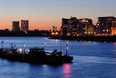 Blauer Fluss in London Stockfotografie