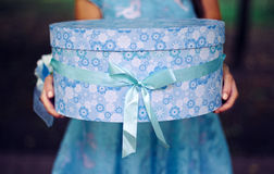 Blauer Geschenk-Kasten Stockbilder