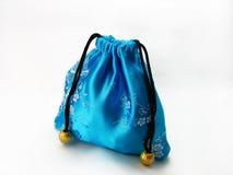 Blauer Geschenkbeutel Stockfotos
