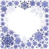 Blauer Herzform-Schneeflockenrahmen auf Weiß lizenzfreie abbildung