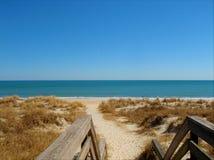 Blauer Himmel über Myrtle Beach in South Carolina stockbild