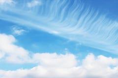 Blauer Himmel bewölkt Wandkunst-Hintergrundmalereien, schöne Farben, Tapete lizenzfreie stockbilder