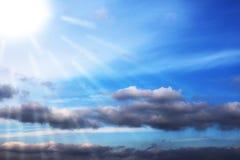 Blauer Himmel bewölkt Wandkunst-Hintergrundmalereien, schöne Farben, Tapete lizenzfreie abbildung