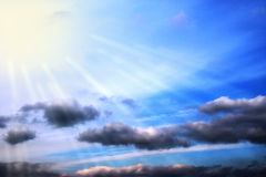 Blauer Himmel bewölkt Wandkunst-Hintergrundmalereien, schöne Farben, Tapete stockbild