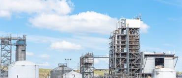 Blauer Himmel Erdölraffineriespalten-UNO-äh Wolke in Pasadena, Texas, USA stockfotografie