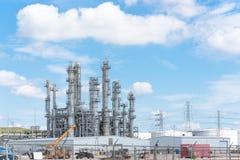 Blauer Himmel Erdölraffineriespalten-UNO-äh Wolke in Pasadena, Texas, USA lizenzfreies stockbild