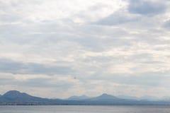 Blauer Himmel Himmel und Meer Himmel und Berg Himmel mit Wolken Himmel und Sonnenaufgang Himmel und Tageslicht Lizenzfreie Stockbilder
