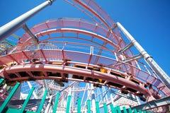 Eine Achterbahn an einem Freizeitpark in Yokohama Japan Stockfotos