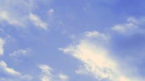 Blauer Himmel mit Wolken Geschossen auf Kennzeichen II Canons 5D mit Hauptl Linsen stock footage