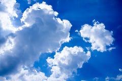blauer Himmel mit Wolkennahaufnahme 56 Lizenzfreie Stockfotos