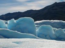 Blauer Himmel und blaues Eis Stockfotos