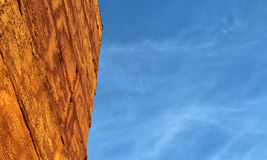 Blauer Himmel und Gebäude Lizenzfreie Stockfotografie