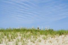 Blauer Himmel und Sand lizenzfreies stockfoto