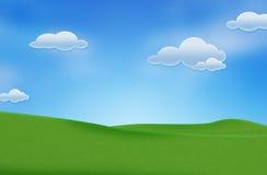 Blauer Himmel und schönes grünes Feld stockfoto