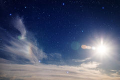 Blauer Himmel und Sterne. Stockfotografie