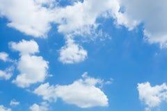 Blauer Himmel und Wolke Stockfotografie