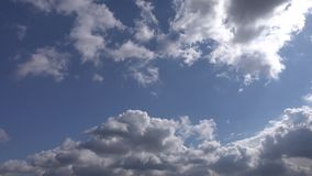 Blauer Himmel und Wolke stock video footage